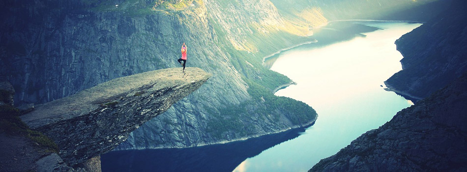 Balance on Trolltunga
